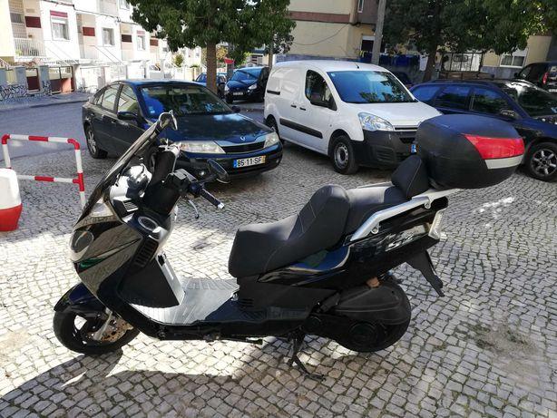 Moto Daelim S2 125
