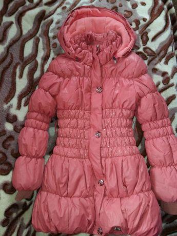 Продам зимову курточку для дівчинки, на ріст 128 см