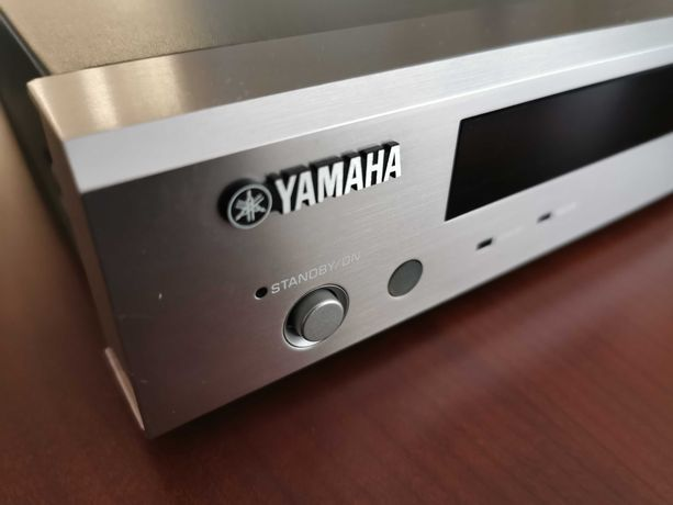 Odtwarzacz CD/DVD Yamaha DVD-S830