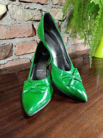 Szpilki zielone 39