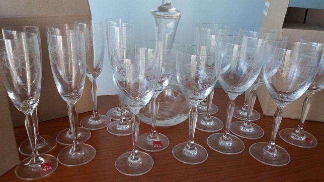 Serviço cristal,copos e jarra cristal ,marca nora
