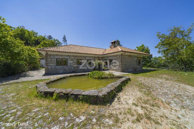 Moradia T3 c/10.670 m2 em Campo do Gerês, Parque Nacional Peneda-Ge...