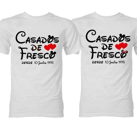 2 T-Shirts Brancas Casados de Fresco - Oferta de Portes
