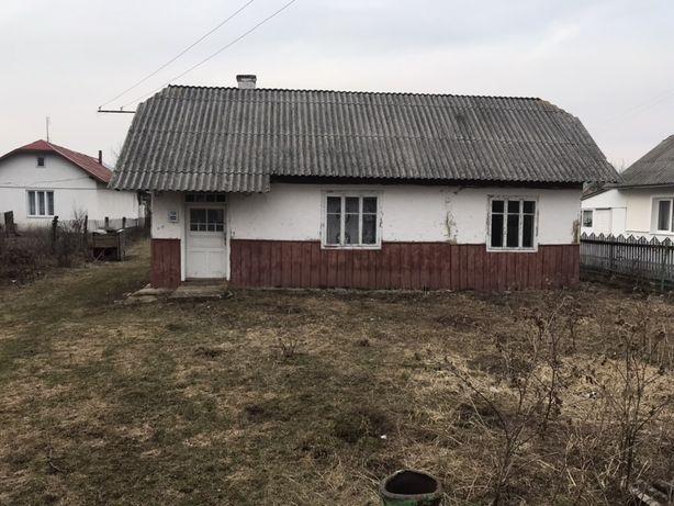 Продається земельна ділянка з будинком в с. Старий Лисець
