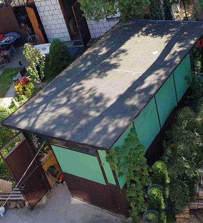 Garaż wolnostojący o konstrukcji stalowej