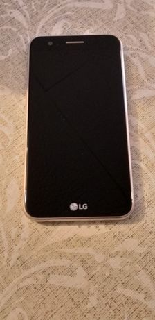 Sprzedam smartfon LG K10 Dual rok 2017koloru złotego