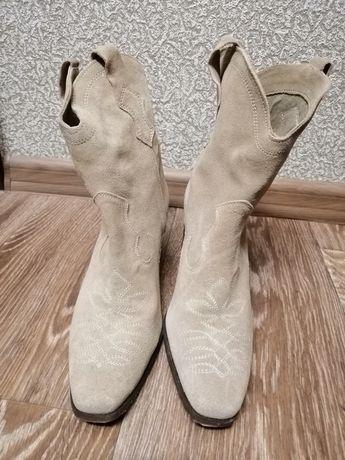 Женские  сапоги фирмы Zara