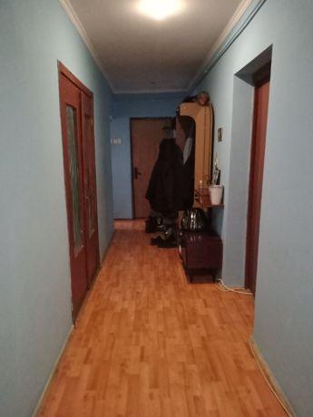 Продам 4 кімнатну квартиру на пр.Соборності