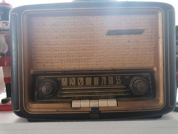 Rádio a valvulas Grundig