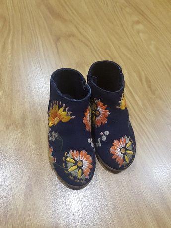 Botas zara,sapatos em pele