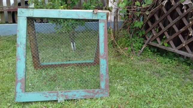 Drzwi do klatki dla zwierząt np dla królika kury