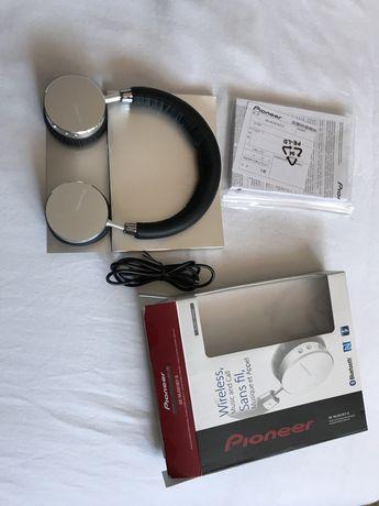 Słuchawki bezprzewodowe Pioneer SE-MJ561BT-S