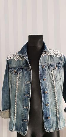 Kurtka jeansowa z aplikacją Perełki handmade