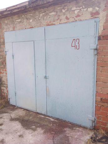 Продам капитальный гараж, ул. Флотская.