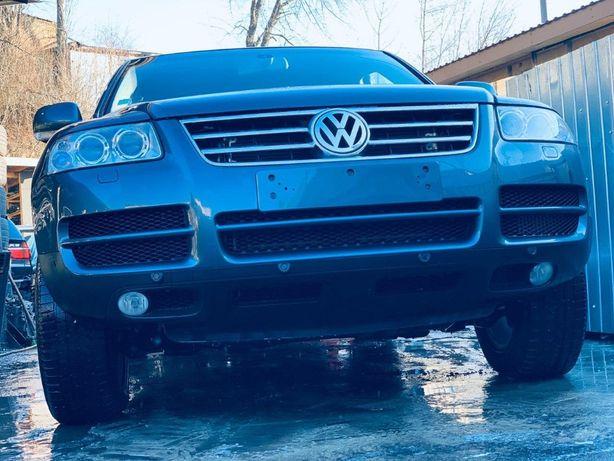 Бампер передний хром решетка радиатора бампера VW Touareg 03-09 Таурег