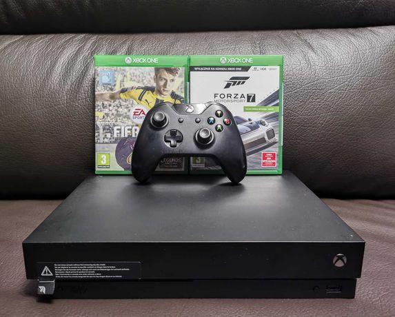 Xbox One X + Pad + 2 Gry
