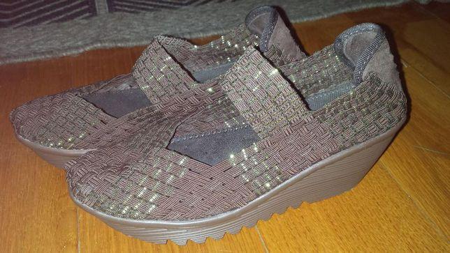Sandálias confortáveis brilhantes 37
