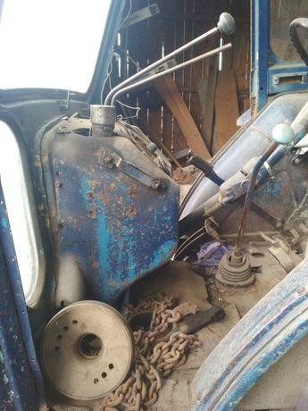 Продам трактор на запчастини юмза 6