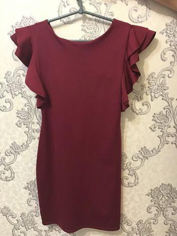 Продам стрейчивое платье