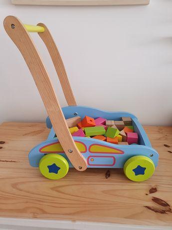 Andarilho para bebé em madeira com blocos de madeira