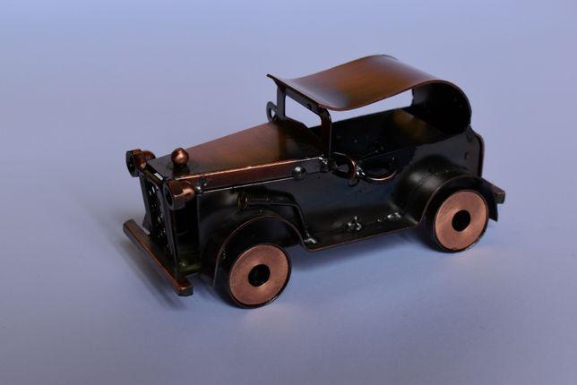 Metalowy samochód na prezent ozdoba
