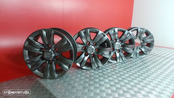 Conjunto De Jantes Toyota Hilux Vii Pick-Up (_N1_, _N2_, _N3_)