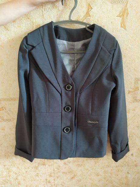 Школьный пиджак для девочки 1-3 класс