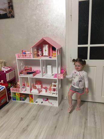 Кукольный домик с лестницей
