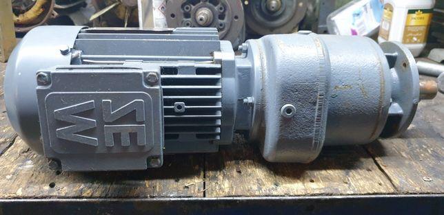 Motoreduktor prosty 220obr z silnikiem elektrycznym 0,55kw