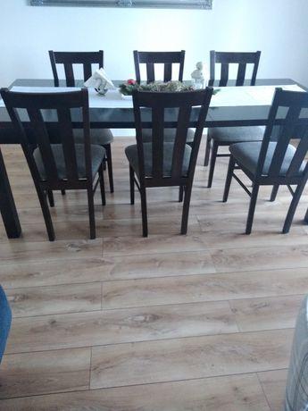 Duży stół do salonu