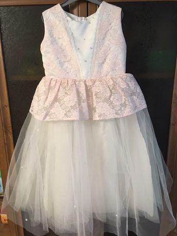 Нарядное, праздничное платье, красивый наряд, пышное платье