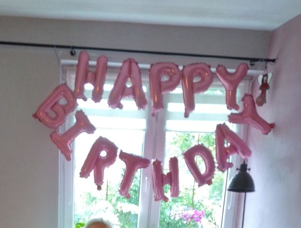 Balonowy napis Happy Birthday