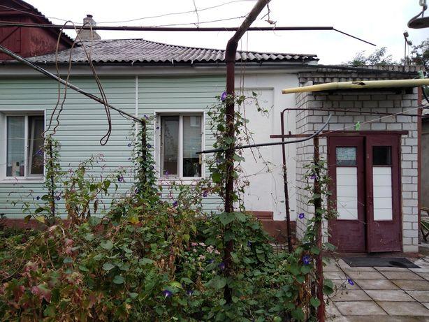 Продаётся часть дома в центре города