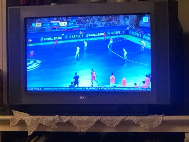 Televisão Sony Trinitron ecran plano