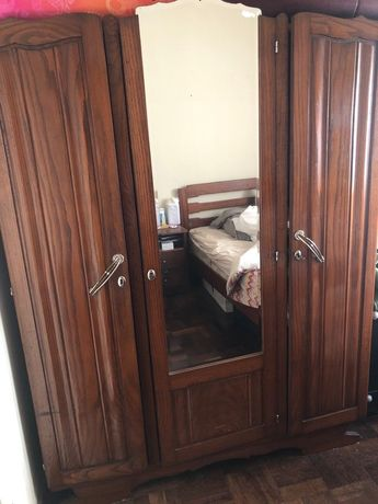 Armário com 3 portas