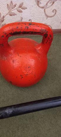 Гиря 32 кг , для спорта.
