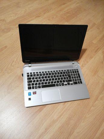 Portátil Toshiba SATELLITE - I7-16GB RAM - SSD 1T