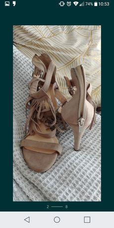 Piękne zamszowe sandalki Wojas