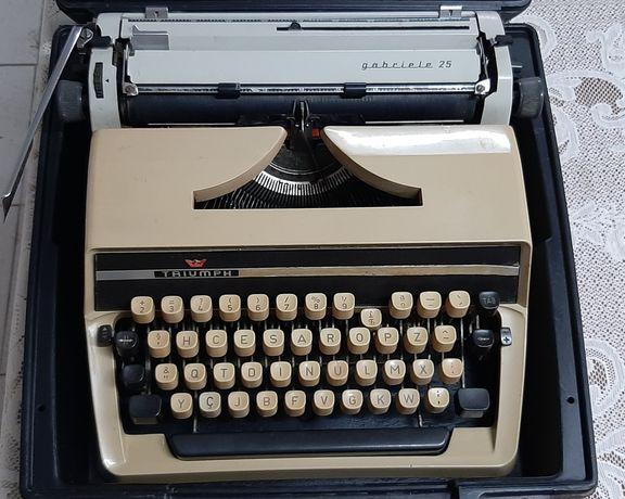 Máquina de escrever vintage Triumph Gabriele 25