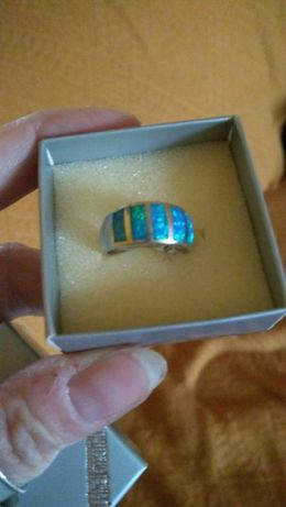 Pierścionek srebrny z opalem