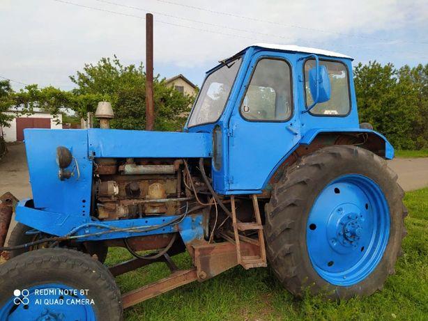 ЮМЗ-6 с лопатой Срочно