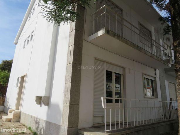 Moradia T5 situada em Zona Nobre da Cidade de  Évora.