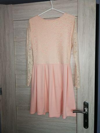 Sukienka rozkloszowana, elegancka, z koronki