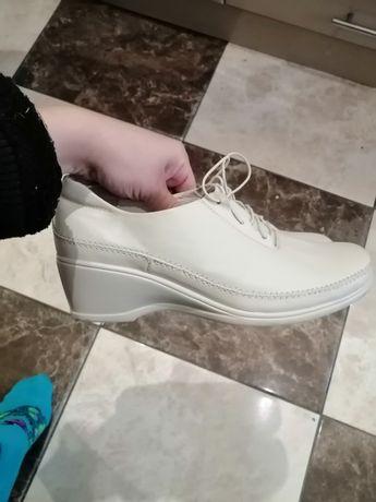 Туфли демисезон 38 размер