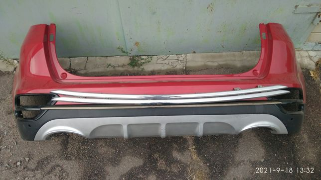 Kia Sportage бампер задний и сабли .топ комплект