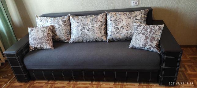 Диван для спальни или гостинной