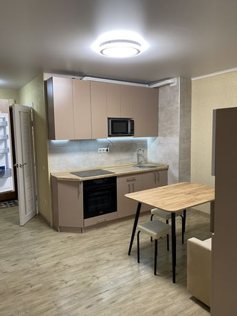 Сдам шикарную новую 1к квартиру  ,метро Теремки.Первая сдача !