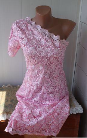 Продам платье из кружева