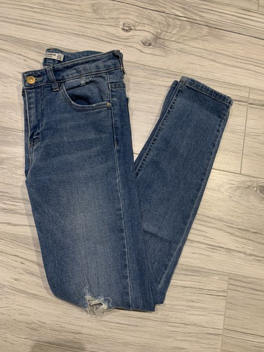 Spodnie jeansowe pull&bear 34 XS niebieski dziury Nowy Tomyśl - image 1