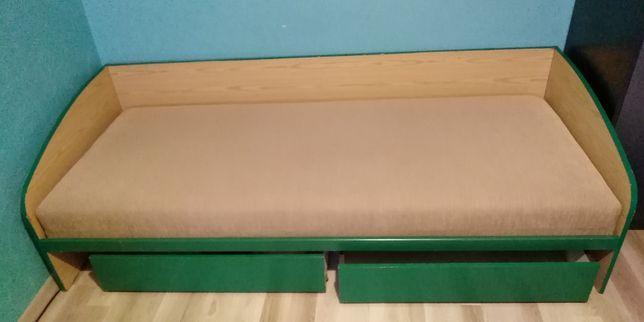Łóżko pojedyncze z materacem i szufladami